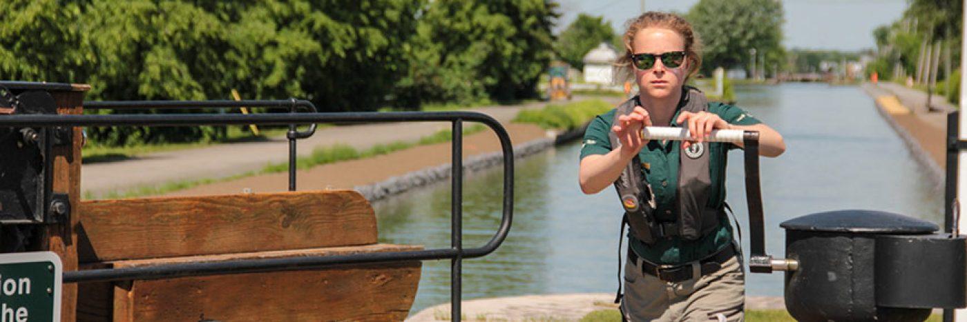 Calendrier révisé, saison de navigation devancée<br>Canaux historiques de Parcs Canada au Québec